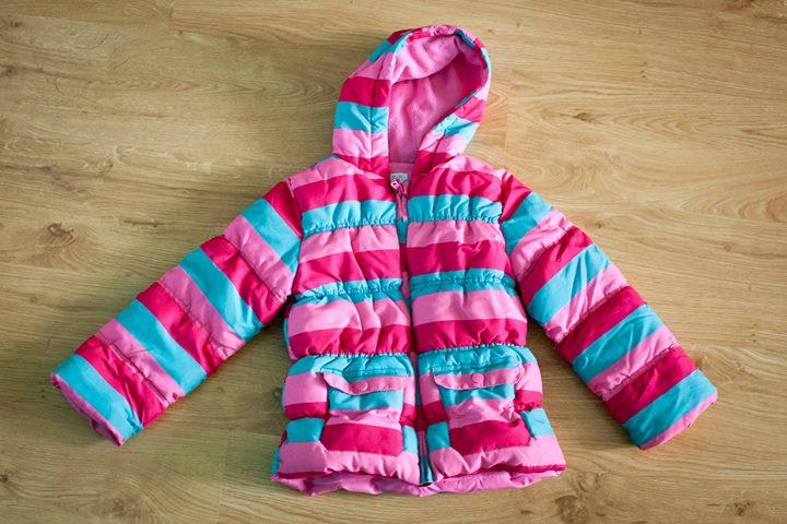 Kurtka zimowa F&F rozmiar 116 (5-6 lat) 30zł – Puławy Sprzedam pikowaną dziewczęcą kurteczkę…