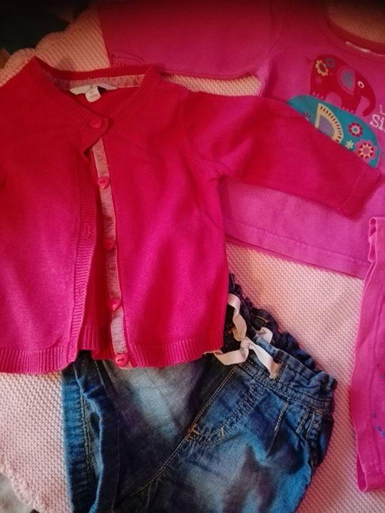 Sweterek, bluzeczki 1,234zł – Lipiny, Radom, Poland Stan oceniam jako dobry. Normalne ślady użytkowania.…