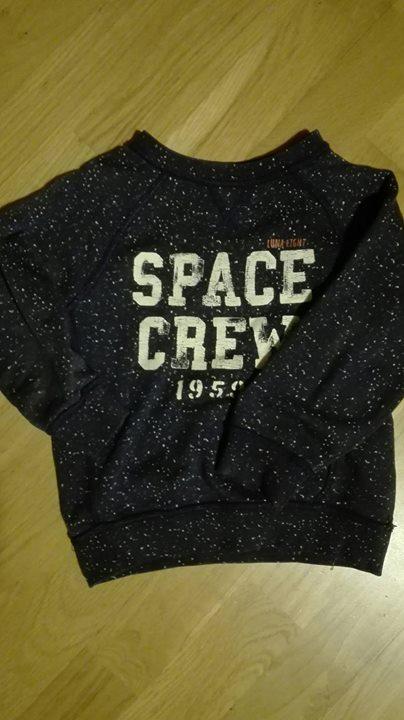 Bluzy chłopięce 20zł – Lublin Bluzy chłopięce w rozmiarze 104 1. Bluza Space crew…