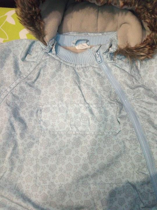 Kurteczka zimowa r. 86 H&M 35zł – Puławy Sprzedam kurteczke H&M r. 86. Blekitna…