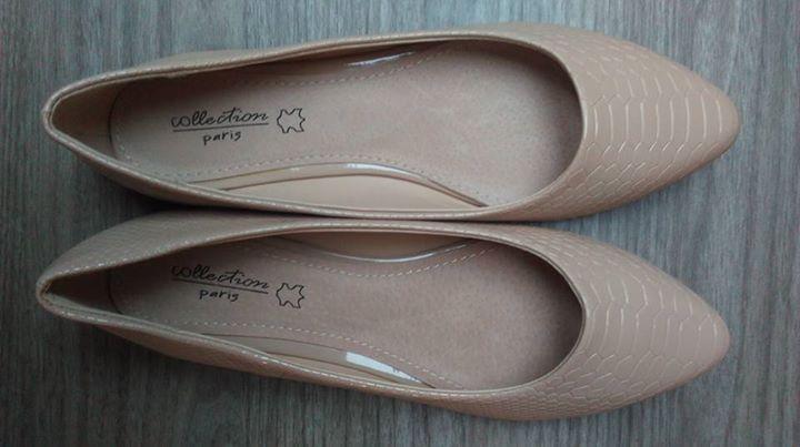 Sprzedam różności FREE – Puławy Sprzedam: 1. Nowe buty w kolorze ecru 2. Nową…