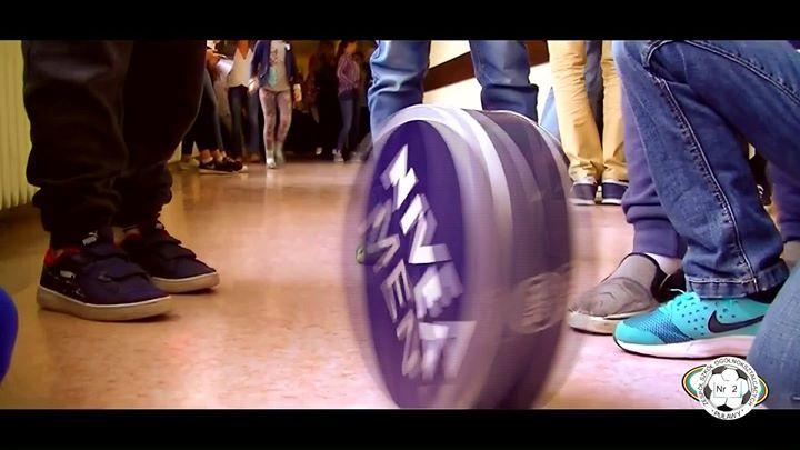Szkoła Podstawowa nr 5 w Puławach bierze udział w konkursie Podwórko Talentów Nivea. Zachęcamy…