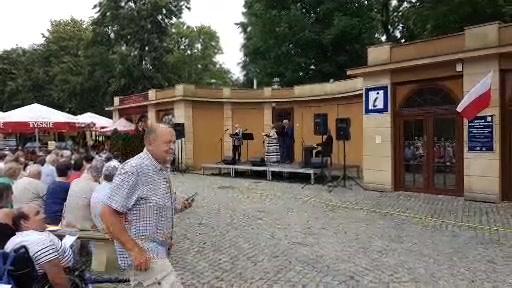 Potyczki z piosenką na Skwerze Niepodległości 🇵🇱 #Puławy