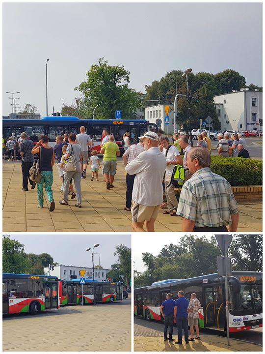 Pierwsze trzy nowe autobusy z mieszkańcami chętnymi obejrzeć obwodnicę Puław wyruszyły spod urzędu miasta.…