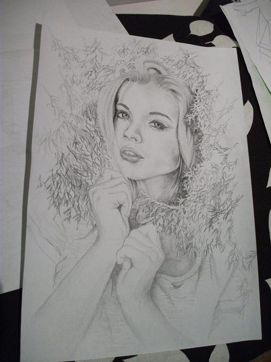 Witam, rysuję na zamówienie portrety ze zdjęć, zainteresowanych proszę o kontakt :)