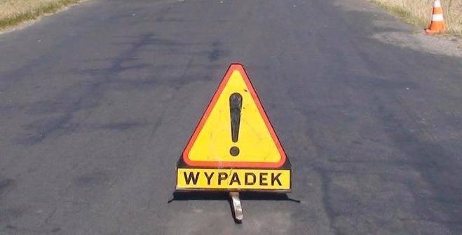 ZGINĄŁ 24 LETNI KIEROWCA SAMOCHODU OSOBOWEGO Do wypadku doszło wczoraj wieczorem w miejscowości Opatkowice.…