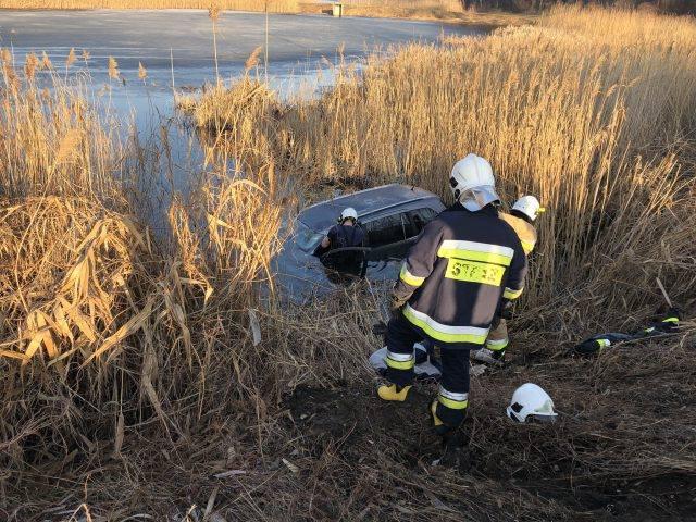 Dziś rano około godz. 8:00 do służb ratunkowych wpłynęło zgłoszenie, że w Żyrzynie samochód…