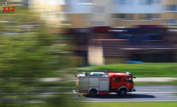 Godz. 18:30 Pożar samochodu na ul. Lipowej. Na miejscu JRG Puławy 501[L]22 i Policja.…
