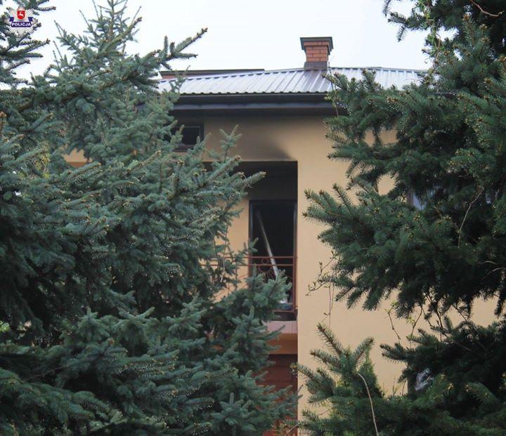 W niedzielę wieczorem w Osinach w gminie Żyrzyn doszło do tragicznego w skutkach pożaru…