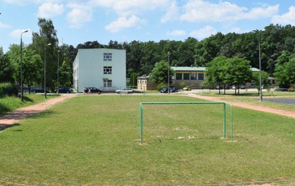 Już w czerwcu odbędzie się przekazanie terenu pod budowę nowych boisk przy Szkole Podstawowej…