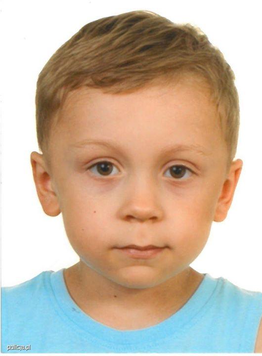 [Z KRAJU] POLICJA POSZUKUJE 5-LETNIEGO DAWIDA ŻUKOWSKIEGO Od północy grodziscy policjanci poszukują 5-letniego Dawida…