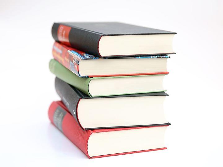 Dziś obchodzimy Światowy Dzień Miłośników Książek My z chęcią korzystamy z oferty Biblioteki Miejskiej…