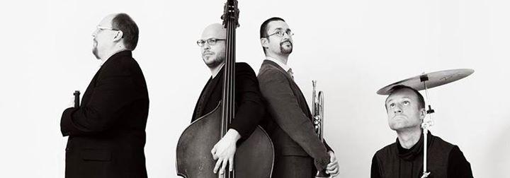 """Dzisiaj o 19:00 na scenie POK """"Dom Chemika"""" wystąpi jazzowy Wójciński/Szmańda Quartet, inspirujący się…"""