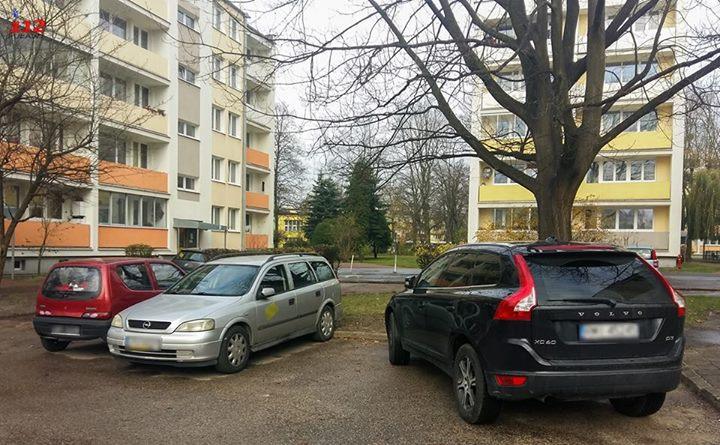 Pozdrawiamy Panią z Volvo. Zwykle śmiało można tu zaparkować cztery samochody jednak nie w…
