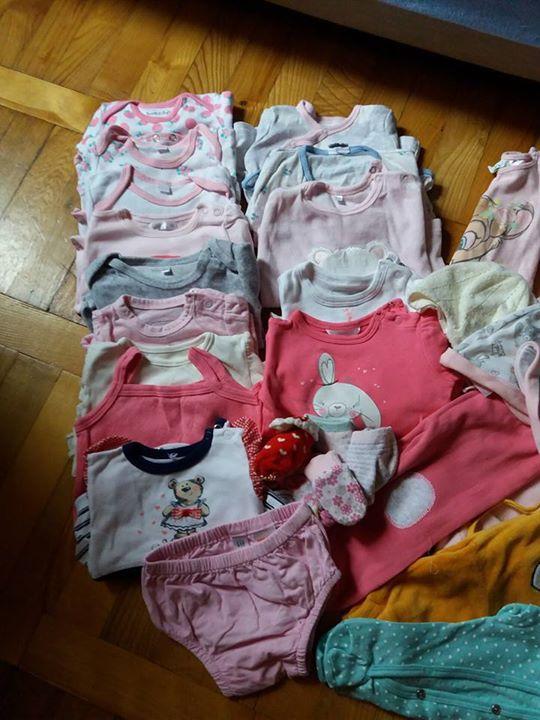 """Wyprawka dla noworodka """"dziewczynka"""" 110zł – Puławy Witam mam na sprzedaż 37 szt ubranek…"""