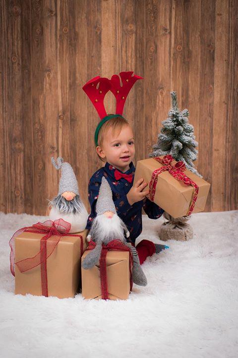 Zapraszamy serdecznie na świąteczne sesje zdjęciowe. 100zł – Puławy Zapraszamy serdecznie na świąteczne sesje…