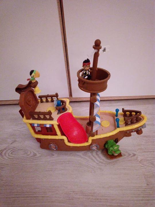 Zabawki siedemdziesiąt pięć zł – Puławy Sprzedam zabawki, statek Jake i Piraci z nibylandi 75zl, samolot …