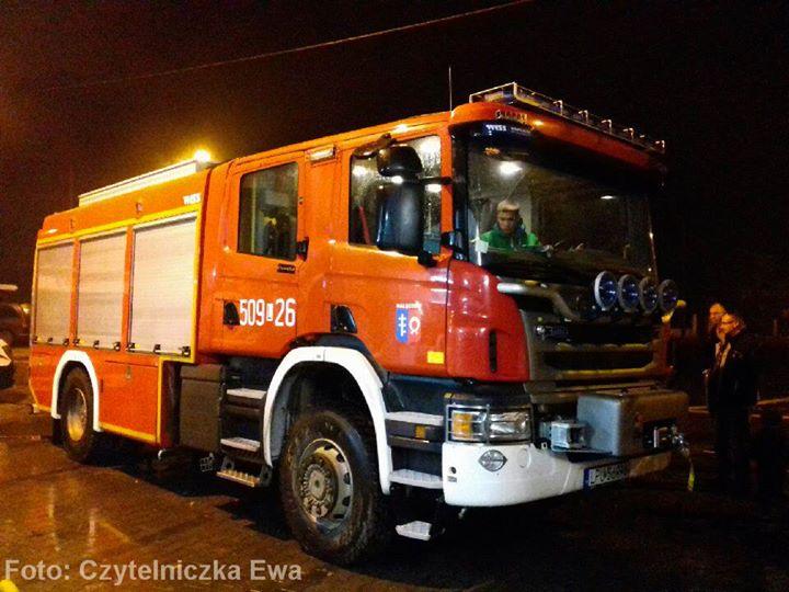 Druhowie z OSP Nałęczów witają nowy ciężki samochód ratowniczo-gaśniczy GCBA 5/36 Scania P400/ISS Wawrzaszek.…