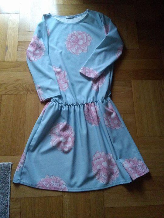 Sukienka rozmiar uniwersalny 78zł – Puławy Sprzedam nową sukienkę,rozmiar uniwersalny,kolor jak na informacji na…
