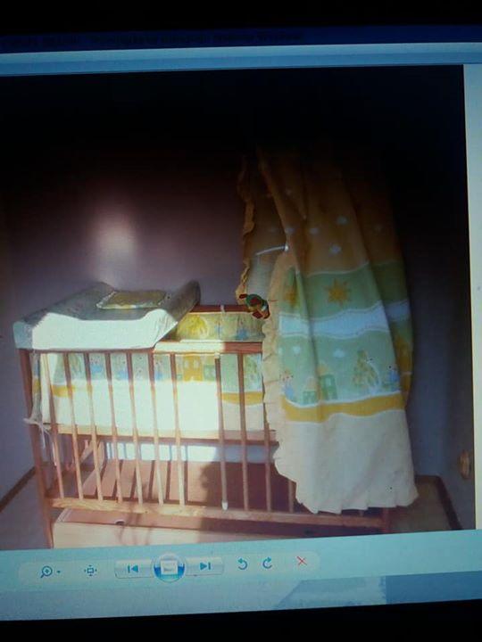 Łóżeczko z wyposażeniem 100zł – Puławy Sprzedam łóżeczko z wyposażeniem materac baldachim itp tylko…