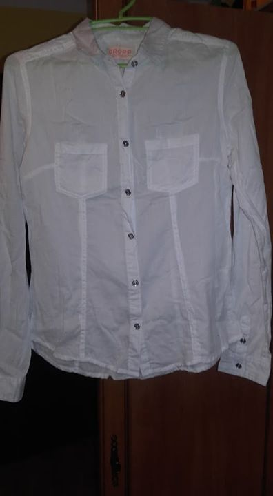 Koszule 12zł – Puławy Sprzedam w stanie idealnym koszulki,rozmiar 36 . Odbiór w Puławach.…