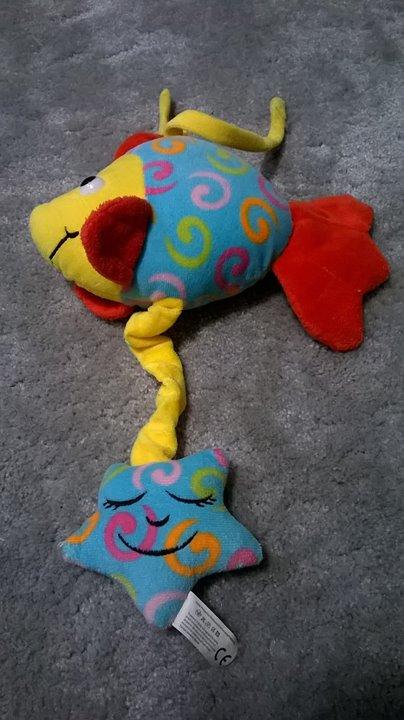 Rybka z pozytywką 10zł – Puławy Sprzedam zabawkę: rybka z pozytywką. Stan bardzo dobry.…