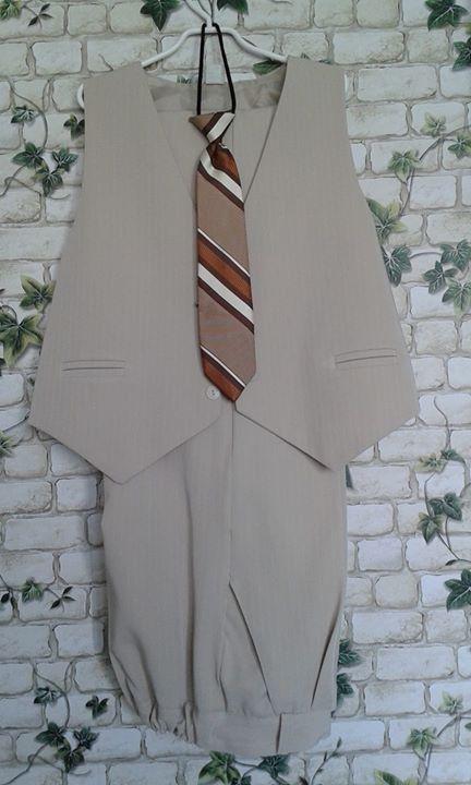 Kamizelka, spodnie + krawat 25zł – Puławy Jasne spodnie, kamizelka + krawat. Rozmiar 146