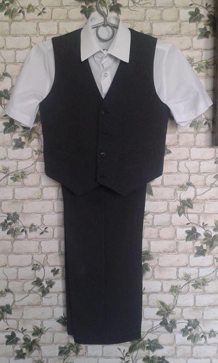 Spodnie, kamizelka +koszula 30zł – Puławy Spodnie, kamizelka + koszula biała rozm. 140