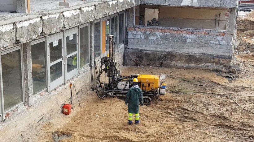 Ważny moment w modernizacji Domu Chemika – trwa palowanie. ▶️ To specjalistyczne prace, konieczne…