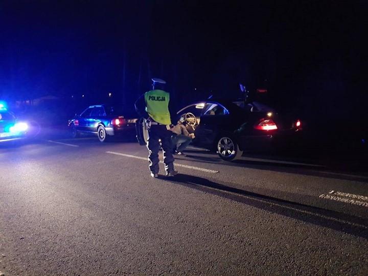 Wczoraj wieczorem w Puławach policjanci przeprowadzili dużą akcję, w trakcie której przerwane zostały nielegalne…