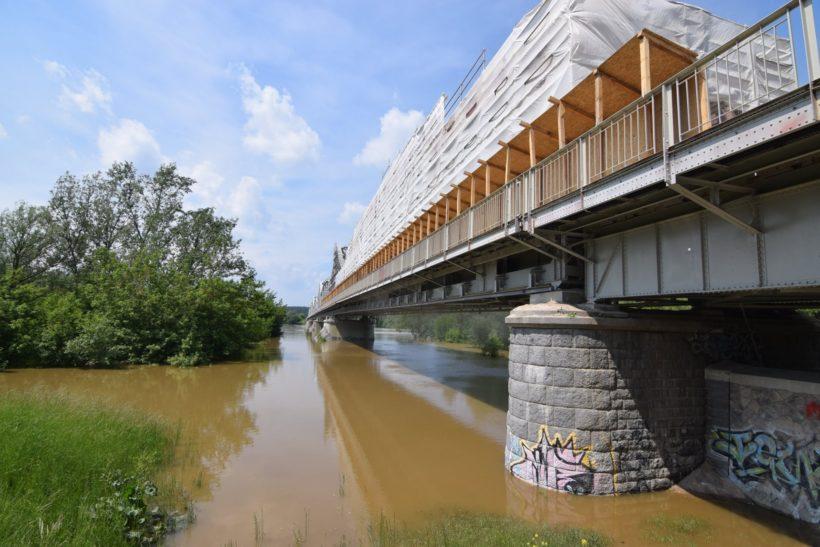 Dzisiaj odbyło się kolejne sprawdzenie wałów przeciwpowodziowych i infrastruktury wzdłuż rzeki Wisły. ️ Prezydent…