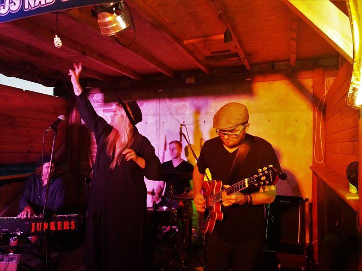 Trwa Puławskie Lato Bluesowe, a razem z nim warsztaty, koncerty i jam sessions. Szczegółowe…